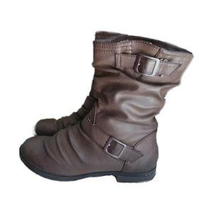Like new womens brown boots